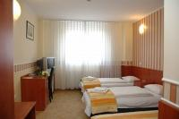 Cheap accommodation in Hotel Atlantic in Budapest, in the vicinity of Köztarsasag Square
