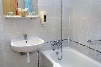 Bathroom of Hotel Eben Zuglo - romantic hotel in Zuglo with affordable prices - Eben Hotel Zuglo Budapest - low-priced three-star hotel in Zuglo in the near of Ors vezer ter