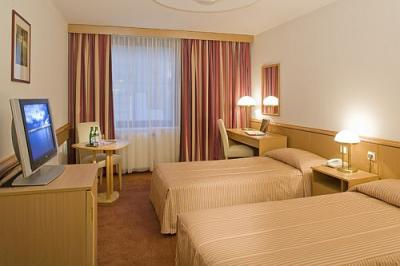 Standard double room - Mercure Budapest City Center - former Hotel ...