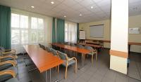 The courtroom and conference room of Hotel Platanus - cheap accomodation in Budapest - Hotel Platanus