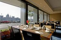 Hotel Novotel Budapest Danube - Restaurant with Panoramic view to the Parlament building