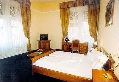Free double room in City Hotel Unio in Budapest - City Hotel Unio Budapest - hotel near Great Boulevard